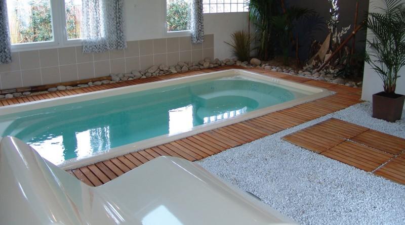 Piscine coque polyester fond plat mod le orchidee le - Euro plomberie piscine le cannet ...