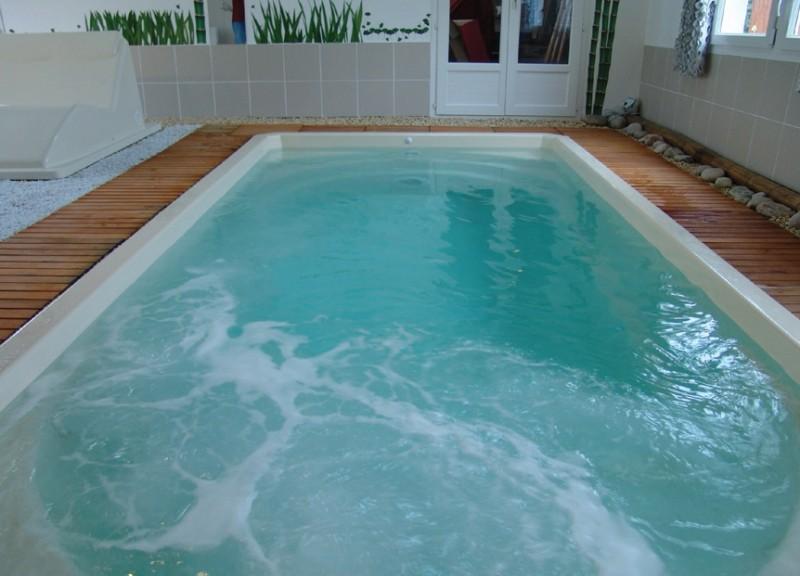 piscine coque polyester fond plat mod le orchidee le cannet des maures pisciniste. Black Bedroom Furniture Sets. Home Design Ideas