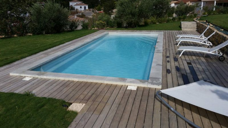 Vente de piscine coque polyester brignoles piscines plus for Piscine celestine 9