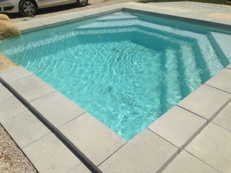 piscine coque grise best piscine coque unique grise marseille bouches du rhne france marseille. Black Bedroom Furniture Sets. Home Design Ideas